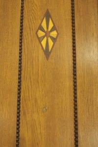 Restaureeritud kuuliauguga uks
